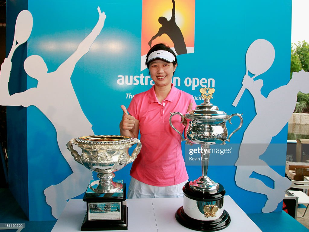 Chinese tennis player Sun Tiantian L a