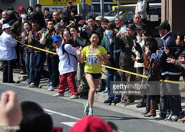 Olympic marathon gold medalist Naoko Takahashi runs in the Nagoya International Women's Marathon as a general contestant as the last run on March 8...