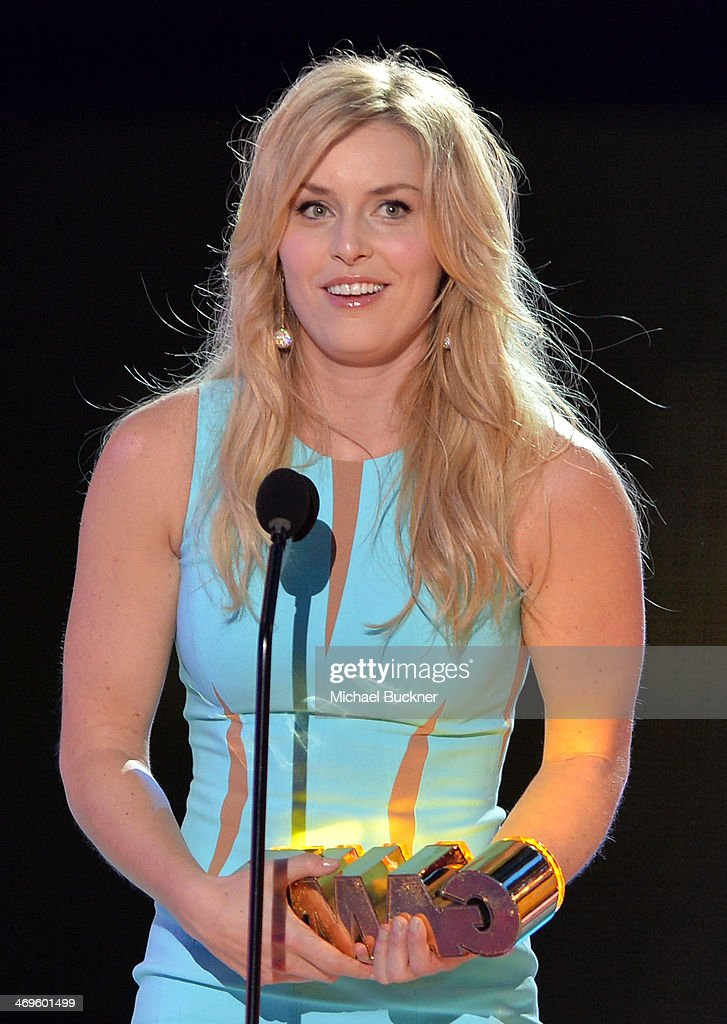 Olympic skier Lindsey Vonn accepts the Queen of the Slopes award onstage during Cartoon Network's fourth annual Hall of Game Awards at Barker Hangar on February 15, 2014 in Santa Monica, California.