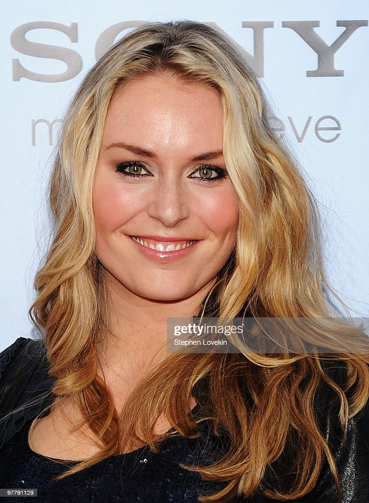 Olympic snowboarder <a gi-track='captionPersonalityLinkClicked' href=/galleries/search?phrase=Lindsey+Vonn&family=editorial&specificpeople=4668171 ng-click='$event.stopPropagation()'>Lindsey Vonn</a> attends the premiere of 'The Bounty Hunter' at Ziegfeld Theatre on March 16, 2010 in New York, New York City.
