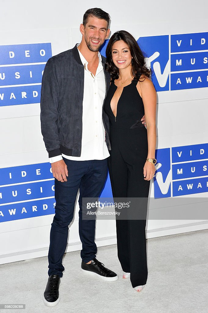 Olympic swimmer Michael Phelps and Nicole Johnson arrive at the 2016 MTV Video Music Awards at Madison Square Garden on August 28, 2016 in New York City.
