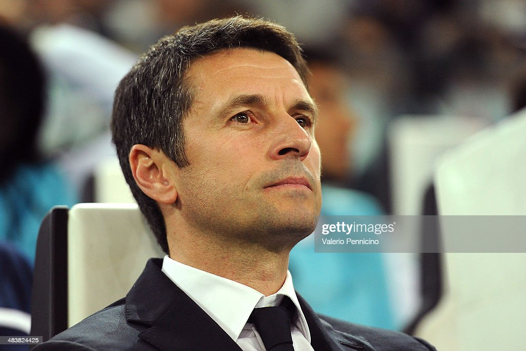 Olympique Lyonnais head coach Remi Garde looks on during the UEFA Europa League quarter final match between Juventus and Olympique Lyonnais at...