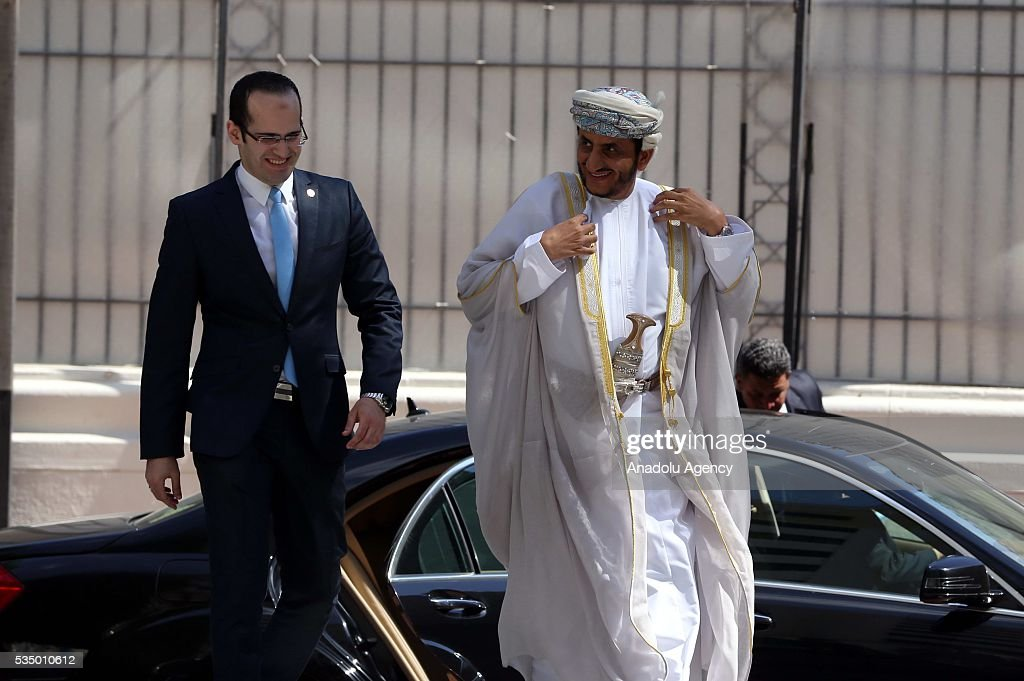 Oman's Ambassador in Cairo Khalifa bin Ali bin Isa arrives for a meeting of Arab foreign ministers to discuss a French peace initiative in Cairo on May 28, 2016.