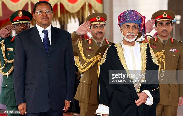 Oman's Sultan Qaboos bin Said greets Tanzania's President Jakaya Kikwete during a welcoming ceremony in Muscat on October 15 2012 AFP PHOTO/MOHAMMED...