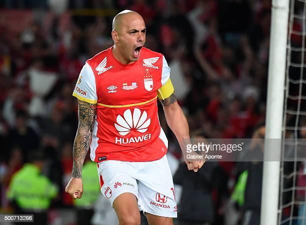 Omar Perez of Santa Fe celebrates after scoring a penalty kick in the penalty shootout during a second leg final match between Independiente Santa Fe...