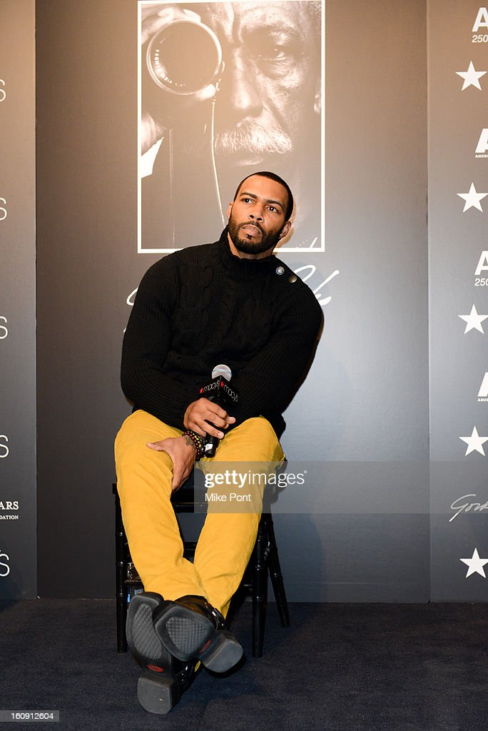 <a gi-track='captionPersonalityLinkClicked' href=/galleries/search?phrase=Omari+Hardwick&family=editorial&specificpeople=4342711 ng-click='$event.stopPropagation()'>Omari Hardwick</a> attends Macy's hosts 'In Conversation' honoring Gordon Parks at Macy's Herald Square on February 7, 2013 in New York City.