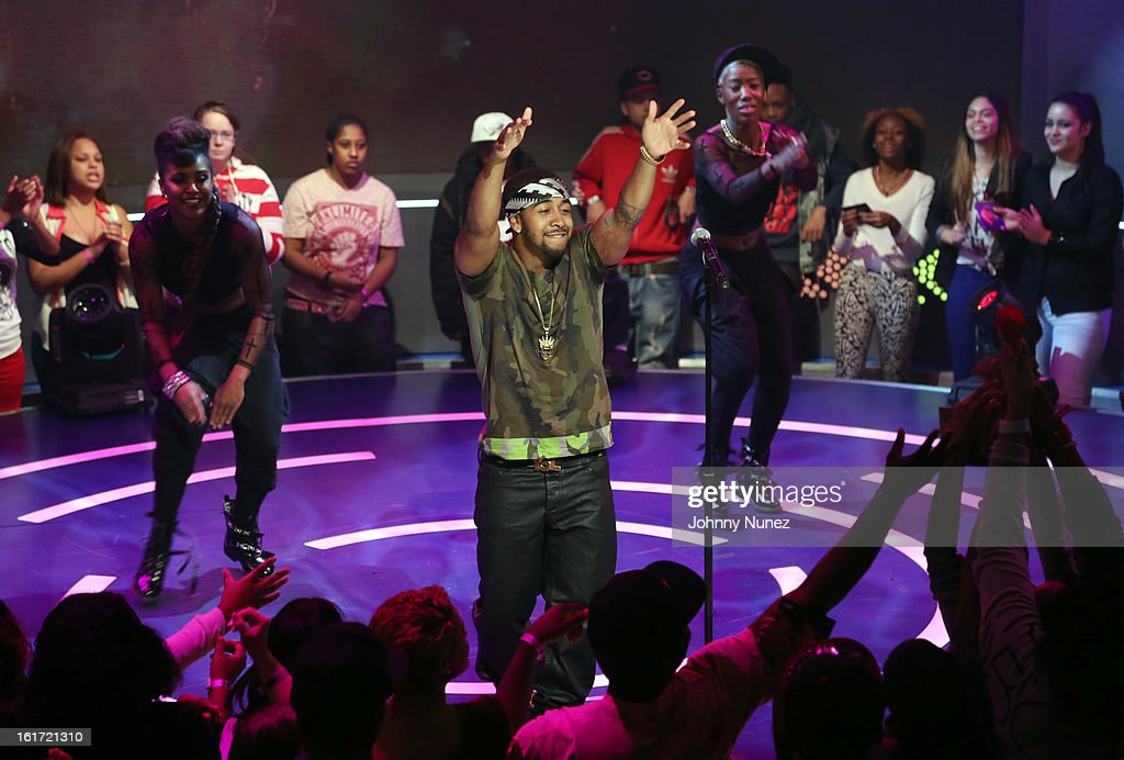 <a gi-track='captionPersonalityLinkClicked' href=/galleries/search?phrase=Omarion&family=editorial&specificpeople=203120 ng-click='$event.stopPropagation()'>Omarion</a> performs on BET's '106 & Park' at BET Studios on February 14, 2013 in New York City.