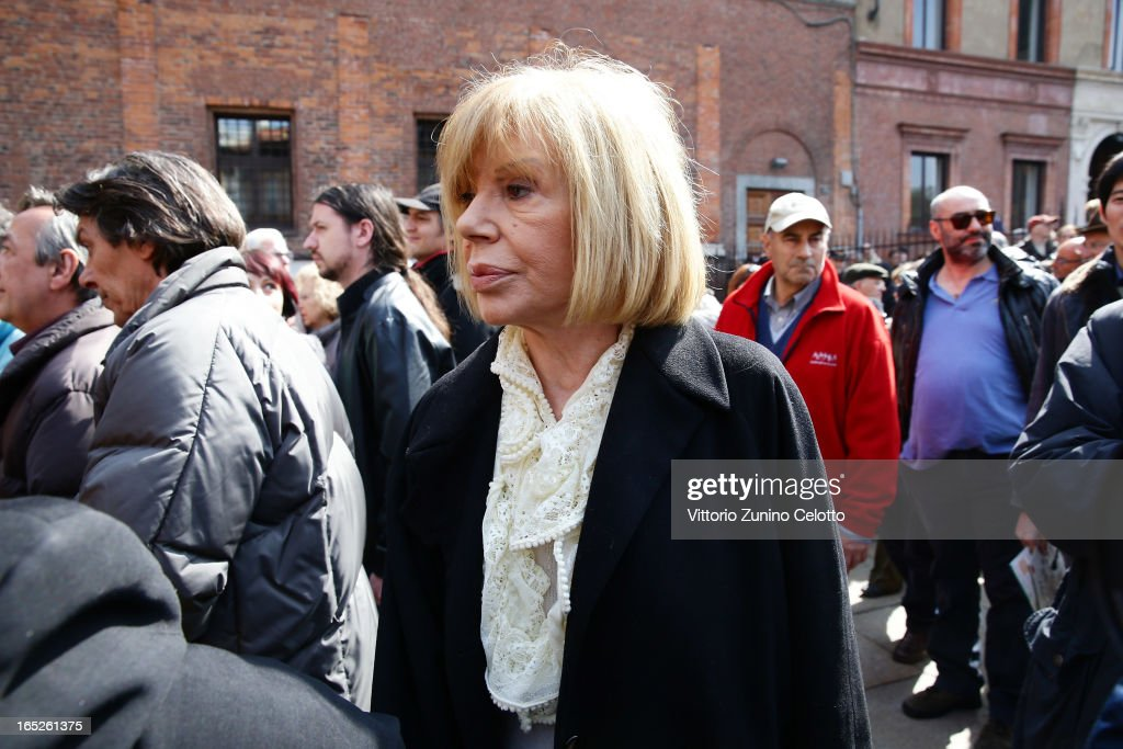 Ombretta Colli attends the funeral of Singer Enzo Jannacci at Basilica di Sant'Ambrogio on April 2, 2013 in Milan, Italy.
