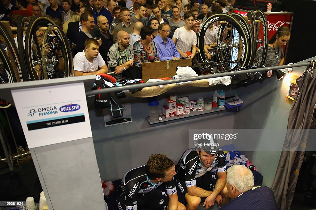 Omega Pharma-QuickStep boss <a gi-track='captionPersonalityLinkClicked' href=/galleries/search?phrase=Patrick+Lefevere&family=editorial&specificpeople=708636 ng-click='$event.stopPropagation()'>Patrick Lefevere</a> (c) chats to <a gi-track='captionPersonalityLinkClicked' href=/galleries/search?phrase=Iljo+Keisse&family=editorial&specificpeople=4220685 ng-click='$event.stopPropagation()'>Iljo Keisse</a> (l) of Belgium and team mate <a gi-track='captionPersonalityLinkClicked' href=/galleries/search?phrase=Mark+Cavendish&family=editorial&specificpeople=684957 ng-click='$event.stopPropagation()'>Mark Cavendish</a> (r) of Great Britain during day three of the Ghent 6 day race at 'T Kuipke on November 20, 2014 in Ghent, Belgium.