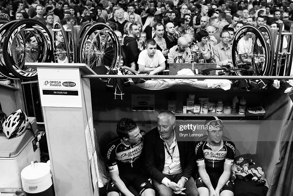 Omega Pharma-QuickStep boss <a gi-track='captionPersonalityLinkClicked' href=/galleries/search?phrase=Patrick+Lefevere&family=editorial&specificpeople=708636 ng-click='$event.stopPropagation()'>Patrick Lefevere</a> (c) chats to <a gi-track='captionPersonalityLinkClicked' href=/galleries/search?phrase=Iljo+Keisse&family=editorial&specificpeople=4220685 ng-click='$event.stopPropagation()'>Iljo Keisse</a> (l) of Belgium and team mate <a gi-track='captionPersonalityLinkClicked' href=/galleries/search?phrase=Mark+Cavendish&family=editorial&specificpeople=684957 ng-click='$event.stopPropagation()'>Mark Cavendish</a> (r) of Great Britain during day four of the Ghent 6 day race at 'T Kuipke on November 21, 2014 in Ghent, Belgium.