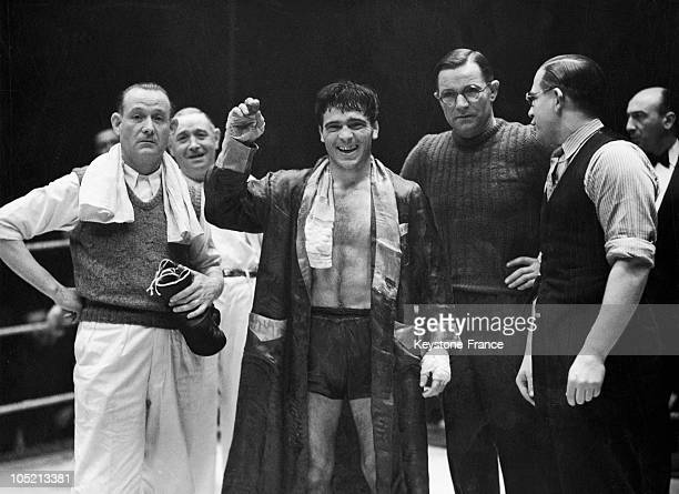 On February 20 At The Palais Des Sports De Paris The Boxer Marcel Cerdan With His Manager Lucien Roupp Greeting The Audience After His Victory Over...