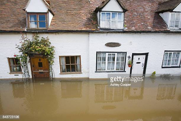 On Friday 20th July 2007 up to 5 inches of rain fell across central and southern England on already saturated ground Rivers rose rapidly and by...