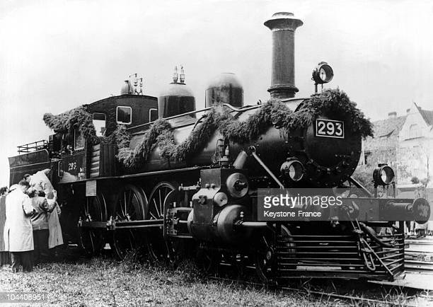 On June 15 the Finnish government gives Russia the locomotive in which Vladimir Ilitch OULIANOV fled from SaintPetersburg to Finland in July 1917