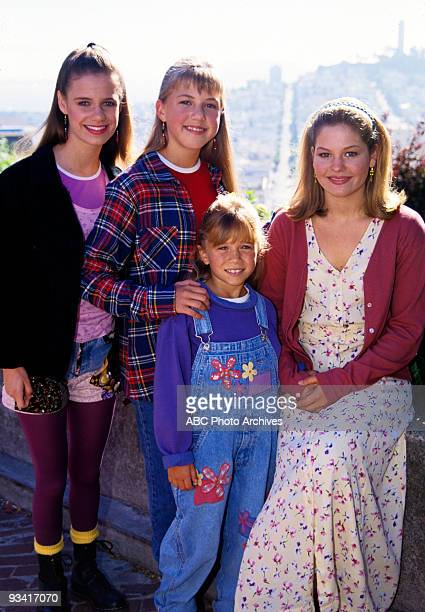 HOUSE On Location in San Francisco Season Eight 9/27/94 Pictured from left Andrea Barber Jodie Sweetin Mary Kate Olsen Candace Cameron