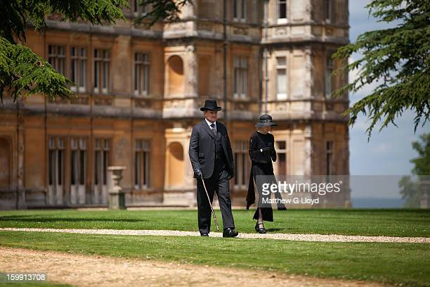On set of Downton Abbey during production of series III with actors Elizabeth McGovern and Hugh Bonneville photographed for the Los Angeles Times on...