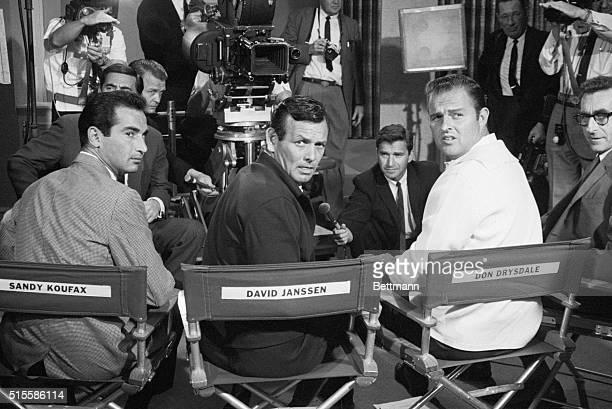 On set of the 1967 film Warning Shot