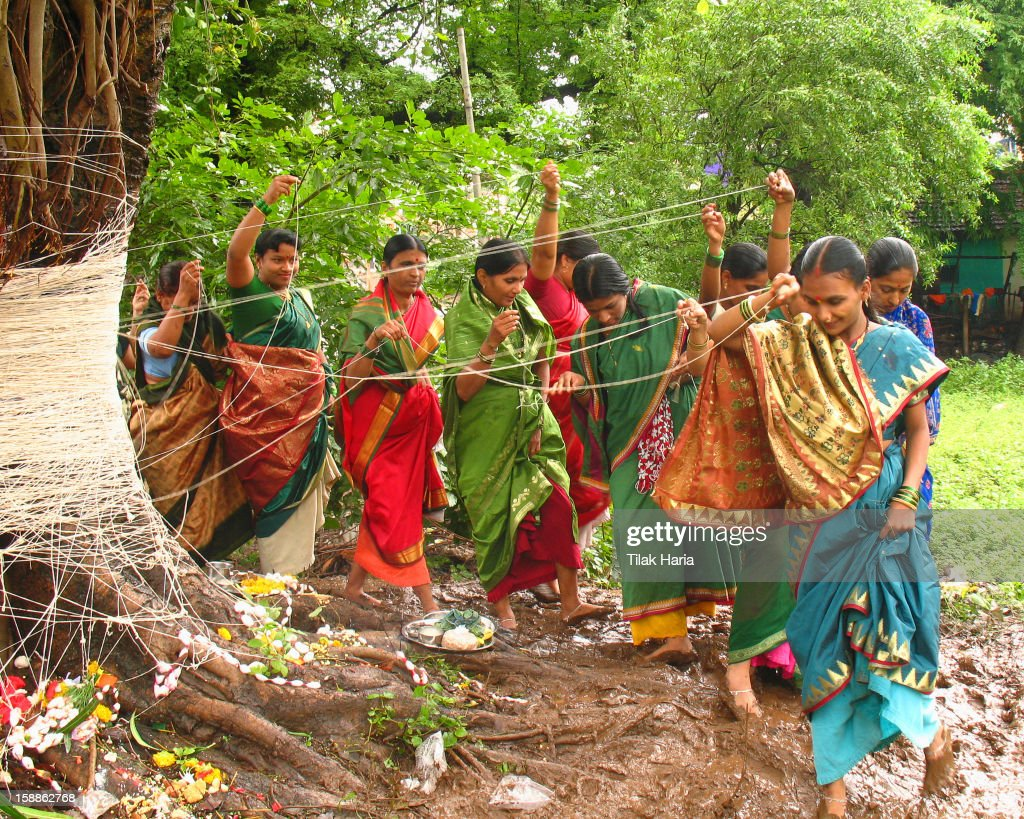 CONTENT] On the occasion of Vat Savitri the women pray for the long life of their husbands. The long threads are tied around the Banyan tree. Banyan tree is symbolic of long life. This occasion is celebrated in the western part of the state of Maharashtra.