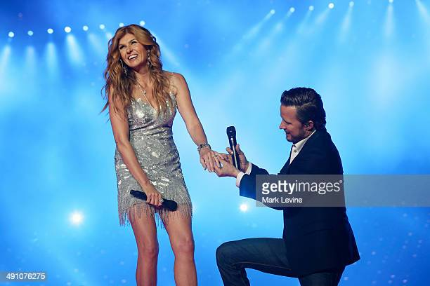 NASHVILLE 'On The Other Hand' As Will Lexington's album climbs the chart with the help of Jeff Fordham's deep pockets Rayna enlists Teddy's help to...