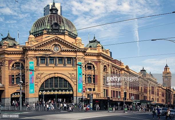On the road from Adelaide to Melbourne Stay in Melbourne at City Flinders coner St Kilda Road