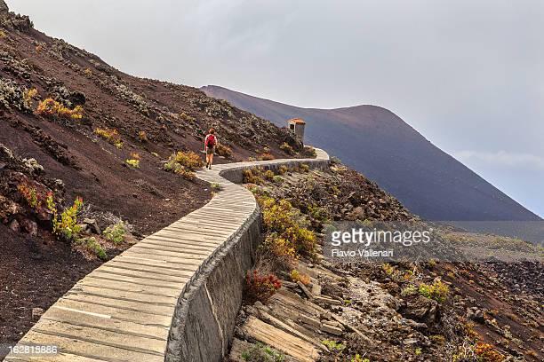 Sur le trottoir, volcanique de La Palma