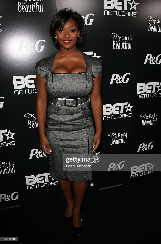 BET on-air personality Tocarra Jones attends the 1st Annual Pre-BET Awards Party at Boulevard 3 on June 25, 2007 in Los Angeles, California.