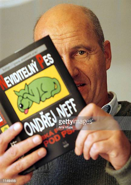Ondrej Neff author and webmaster reads his book 'The Invisible Dog' September 1997 in Prague