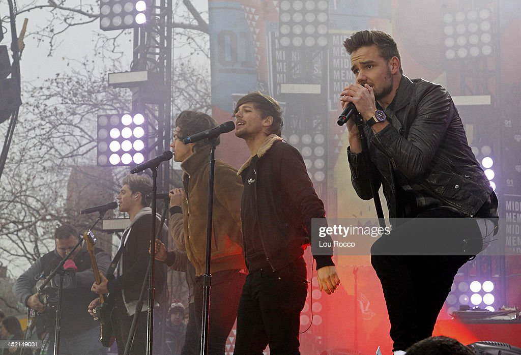 AMERICA - One Direction performs live from Central Park on 'Good Morning America,' 11/26/13, airing on the ABC Television Network. ONE