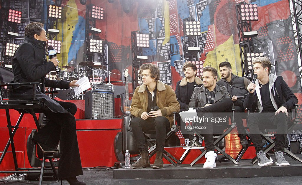 AMERICA - One Direction performs live from Central Park on 'Good Morning America,' 11/26/13, airing on the ABC Television Network. ROBIN