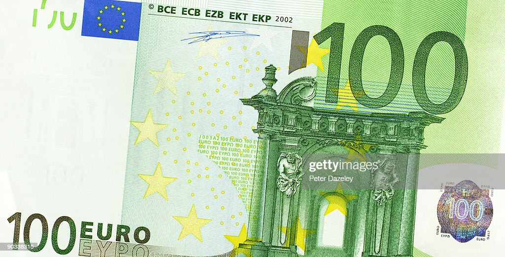 One hundred euro note.
