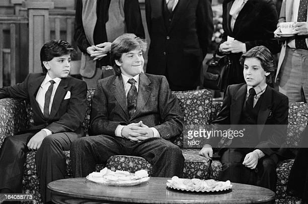 VALERIE 'One of a Kind' Episode 207 Pictured Danny Ponce as Willie Hogan Jason Bateman as David Hogan Jeremy Licht as Mark Hogan