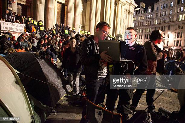 One of the Anonymous speaks to streamed activist media The London Stock Exchange was attempted occypied in solidarity with Occupy Wall in Street in...