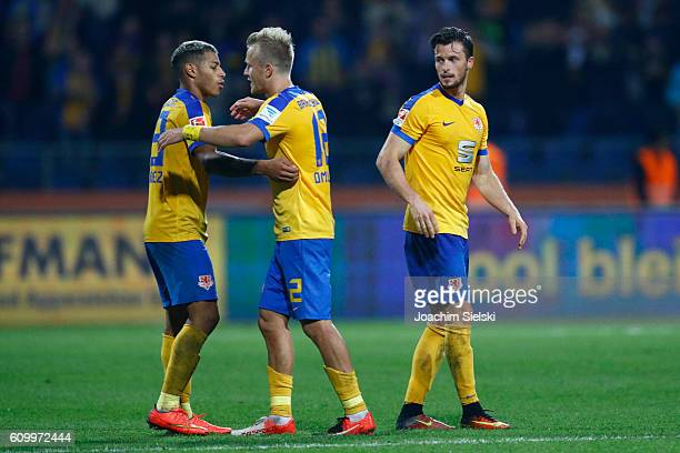 Onel Hernandez Nik Omladic and Quirin Moll of Braunschweig after the Second Bundesliga match between Eintracht Braunschweig and Fortuna Duesseldorf...