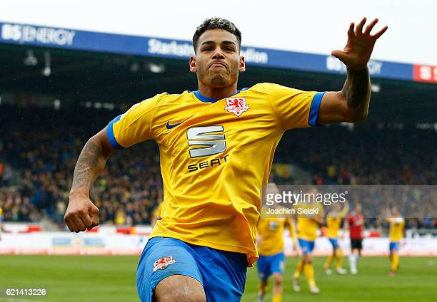 Onel Hernandez of Braunschweig celebration after his Goal 20 during the Second Bundesliga match between Eintracht Braunschweig and Hannover 96 at...