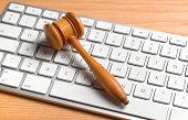 Online judgement/auction