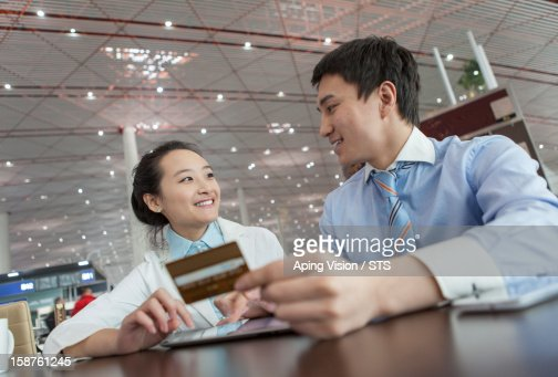 online shopping with tablet PC and credit card : Foto stock