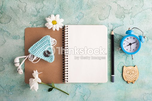 how to open a picture in notebook