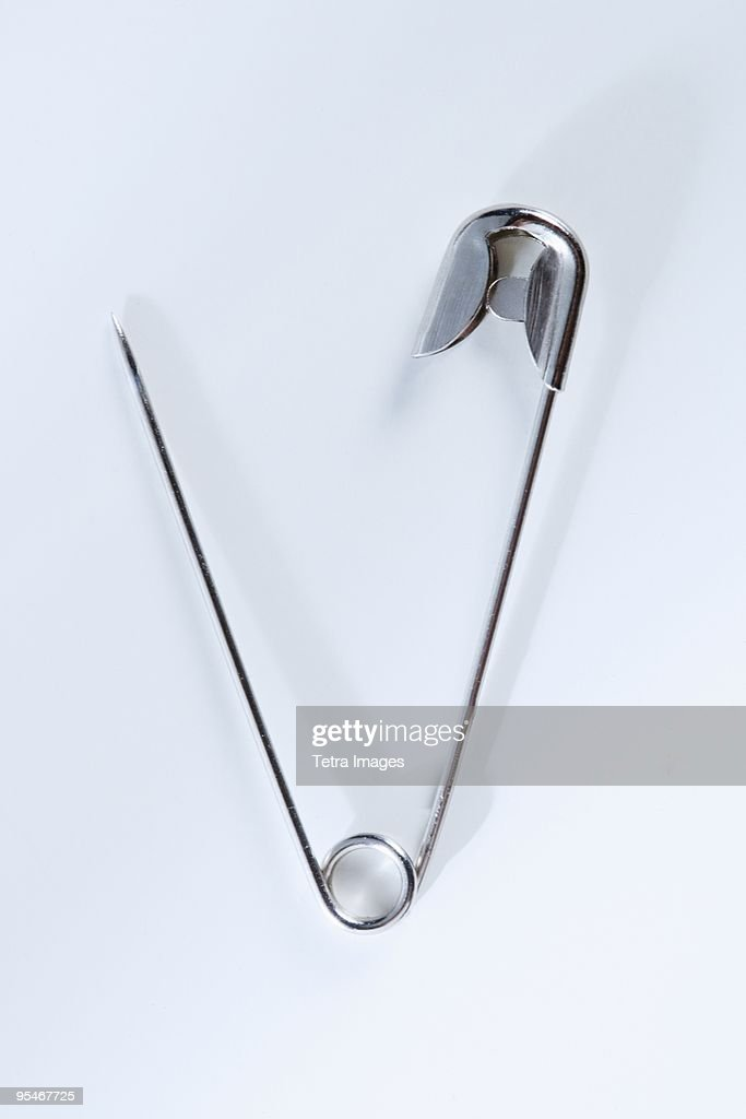 Open safety pin