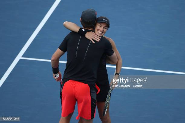 S Open Tennis Tournament DAY TWELVE Martina Hingis of Switzerland and Jamie Murray of Great Britain celebrate victory against CoCo Vandeweghe of the...