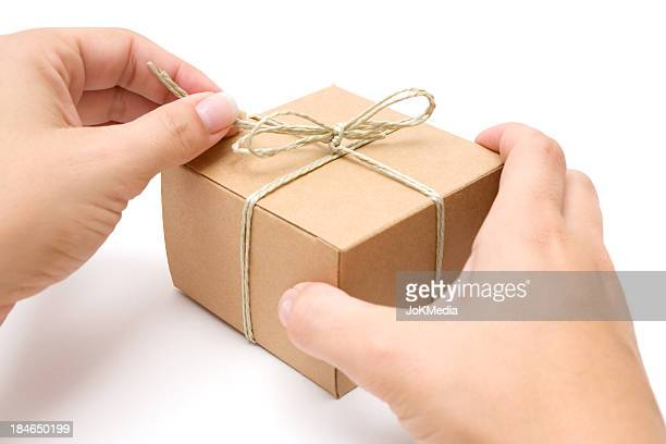 Apertura di un pacchetto decorate