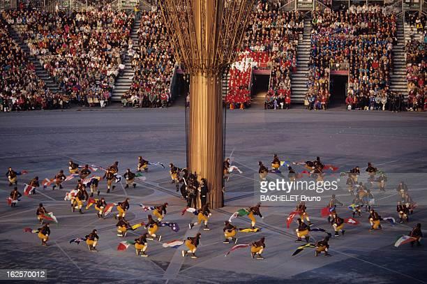 Opening Ceremony Of The Olympic Games Of Winter Albertville 1992 Aux Jeux Olympique d'Albertville lors de la cérémonie d'ouverture dans le stade où...