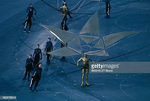 Opening Ceremony Of The Olympic Games Of Winter Albertville 1992 Aux Jeux Olympique d'Albertville lors de la cérémonie d'ouverture dans le stade les...