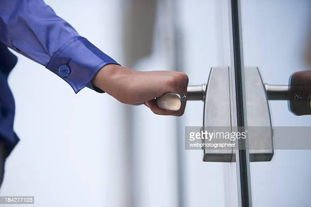 Ouverture de la porte