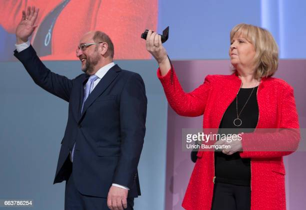 Opening event of the SPD North Rhine Westphalia for the upcoming Land parliamentary elections Winkend Hannelore Kraft NRWPrime Minister female and...