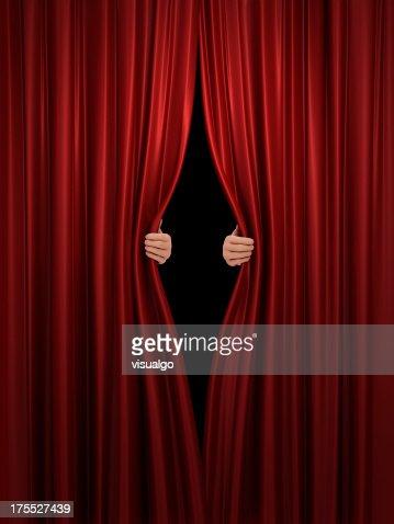 レッドステージカーテンオープニング
