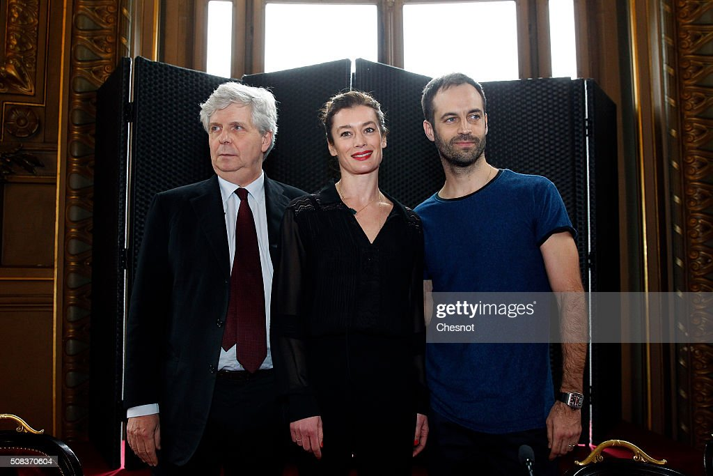 Opera de Paris director Stephane Lissner (L) poses with outgoing director of the Paris Opera Ballet <a gi-track='captionPersonalityLinkClicked' href=/galleries/search?phrase=Benjamin+Millepied&family=editorial&specificpeople=6539957 ng-click='$event.stopPropagation()'>Benjamin Millepied</a> (R) and his successor <a gi-track='captionPersonalityLinkClicked' href=/galleries/search?phrase=Aurelie+Dupont&family=editorial&specificpeople=2903830 ng-click='$event.stopPropagation()'>Aurelie Dupont</a> during a press conference at the Opera Garnier on February 4, 2016 in Paris, France. Choreographer <a gi-track='captionPersonalityLinkClicked' href=/galleries/search?phrase=Benjamin+Millepied&family=editorial&specificpeople=6539957 ng-click='$event.stopPropagation()'>Benjamin Millepied</a> said he was quitting the Paris Opera Ballet after little more than a year in the role 'for personal reasons'. Former French ballet dancer <a gi-track='captionPersonalityLinkClicked' href=/galleries/search?phrase=Aurelie+Dupont&family=editorial&specificpeople=2903830 ng-click='$event.stopPropagation()'>Aurelie Dupont</a> will replace him.