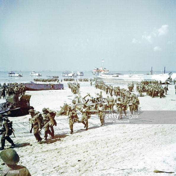 Operation Overlord Normandy The Saskatchewan Regiment of the 2nd Canadian Infantry Division is landing at Juno Beach on the outskirts of...