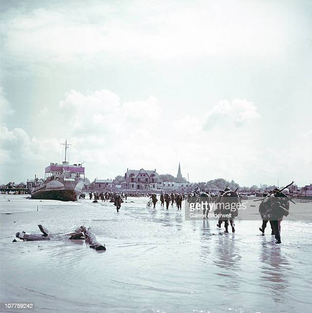 Operation Overlord Normandy Troops of the 3rd Canadian Infantry Division are landing at Juno Beach on the outskirts of BernieressurMer on DDay 6th...