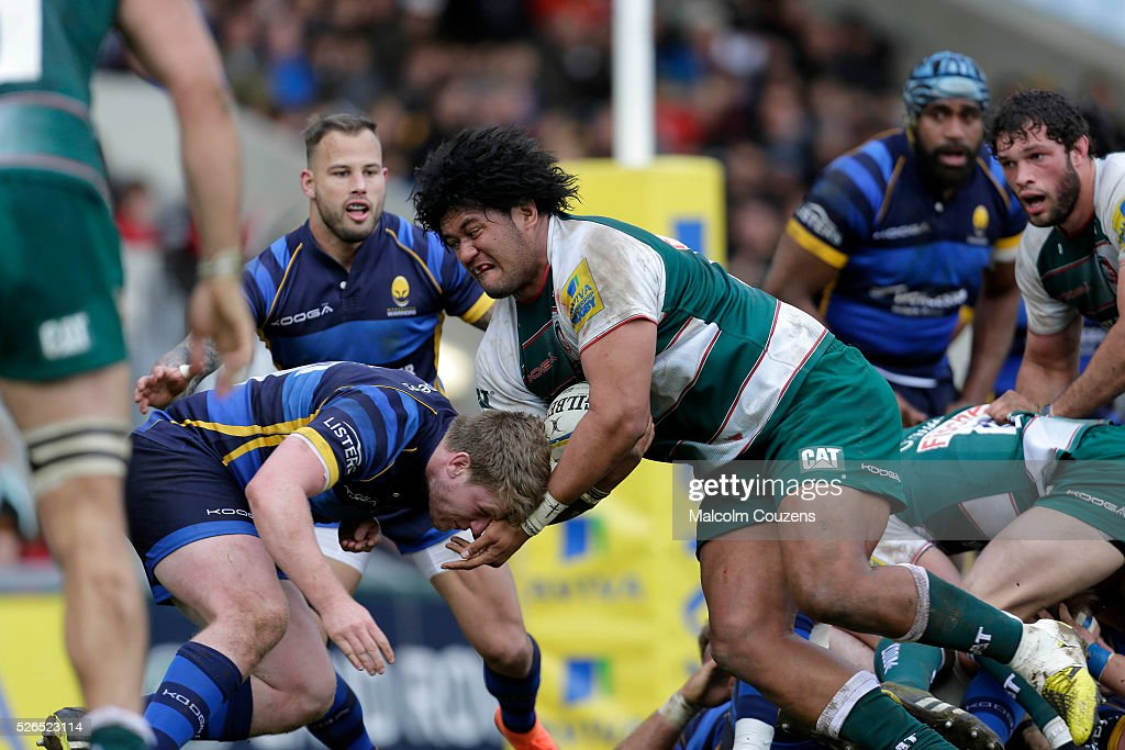 Opeti Fonua of Leicester Tigers powers through the Worcester defence to score a try during the Aviva Premiership match between Leicester Tigers and Worcester Warriors at Welford Road on April 30 in Leicester, United Kingdom.