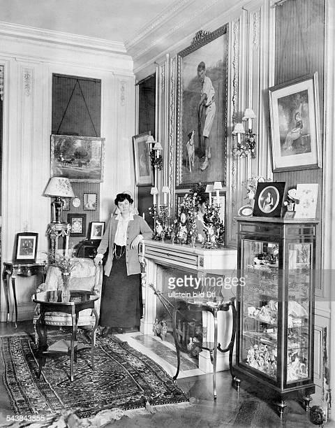 Oppenheim Max Freiherr von Diplomat Orientalist Archaeologist Germany*15071860 Baroness von Oppenheim at 'Stadtpalais' in Cologne 1914 Photographer...