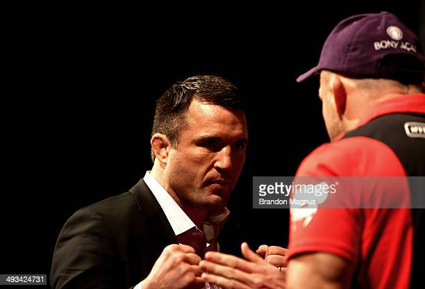 Opponents Chael Sonnen and Wanderlei Silva face off during the UFC 175 The Ultimate Fighter Finale OnSale Press Conference at the MGM Grand Garden...